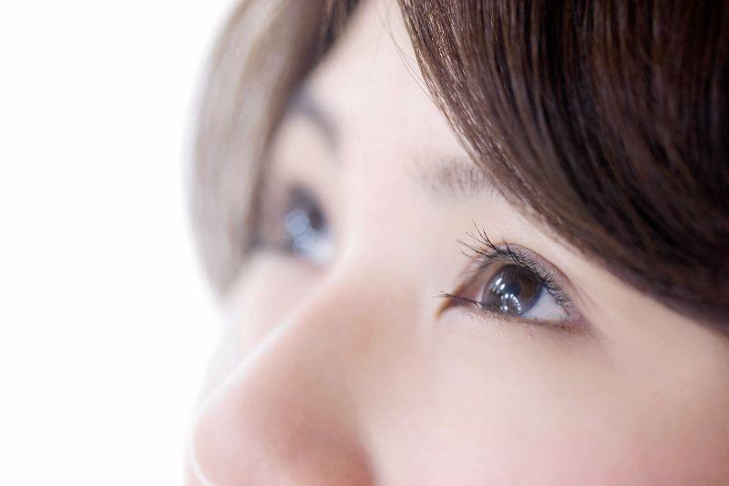 コンタクトレンズが瞼に及ぼす影響